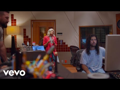 Only Us - Carrie Underwood and Dan + Shay (In The Studio)