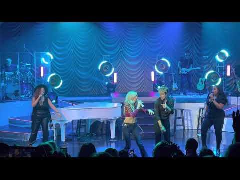 Debbie Gibson & Joey McIntyre: Live from Las Vegas - Levitating