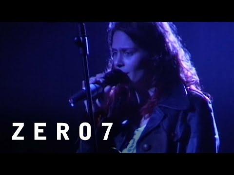 Zero 7 Feat. Sophie Barker - Spinning (The Big Chill Festival 2001)
